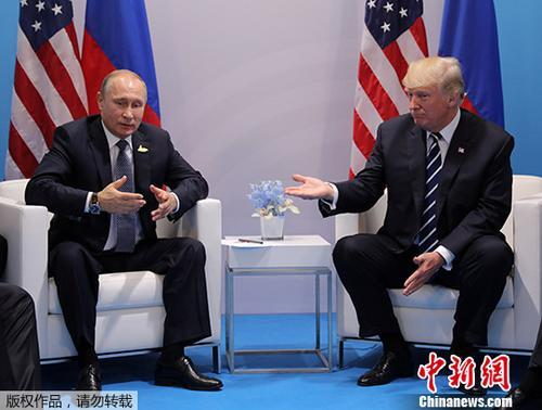 U.S. President Donald Trump speaks with Russian President Vladimir Putin during their bilateral meeting at the G20 summit in Hamburg, Germany July 7, 2017. (Photo/Agencies)