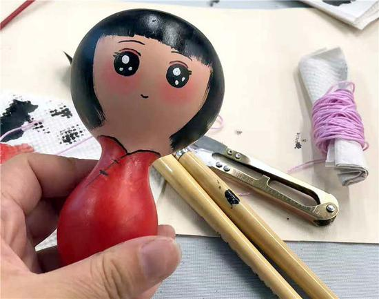 Chinese gourd paintings attract visitors in Israel