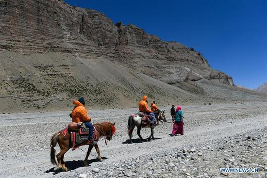 西藏接待正式组织的印度朝圣者