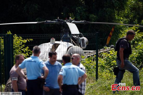 Gangster escapes French prison by helicopter