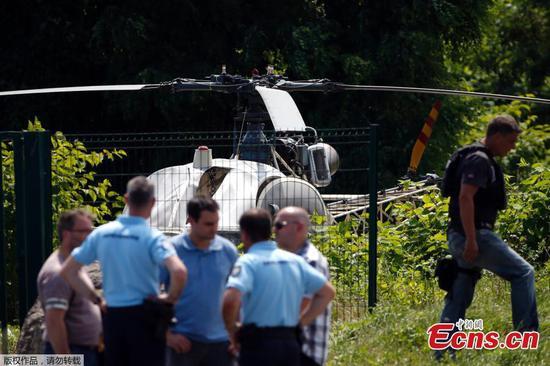 黑帮乘直升机逃离法国监狱
