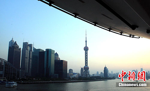 A view of landmark buildings in Shanghai. (File photo/China News Service)