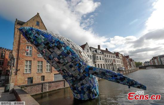 Whale installation made from 5 tons of plastic waste