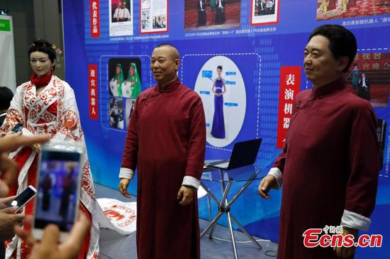 International robot show opens in Shanghai