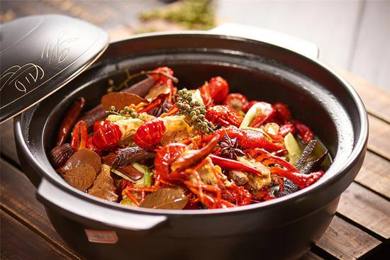 Crayfish craze kicks off in Shanghai
