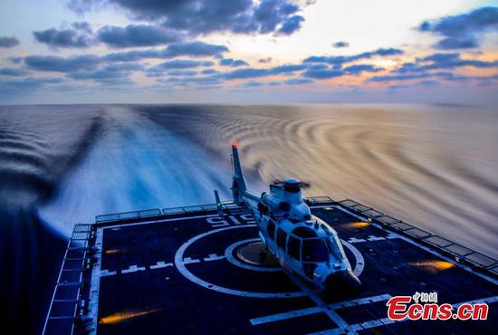 Soldiers train on Binzhou warship