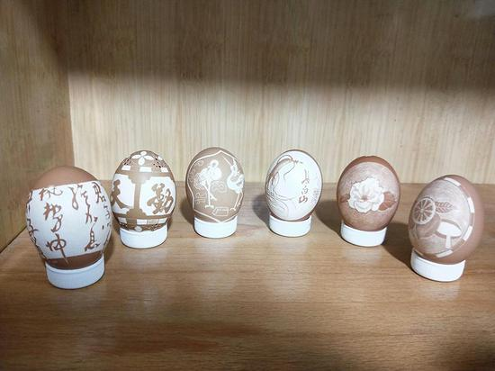 Take a look at these delicate egg shell carvings