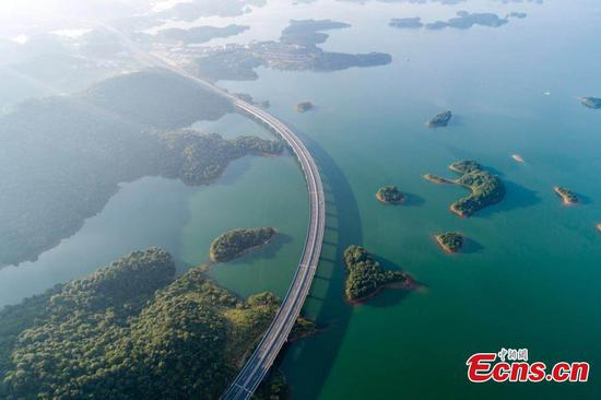 Jiangxi's best over-water expressway