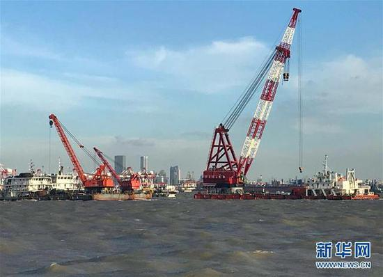 The scene of rescue operation after a cargo ship sank off Shanghai.  (Photo/Xinhua)