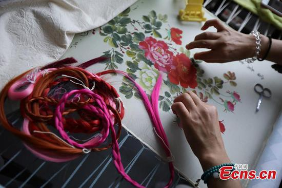 Chinese handicraft - hair embroidery in Dongtai