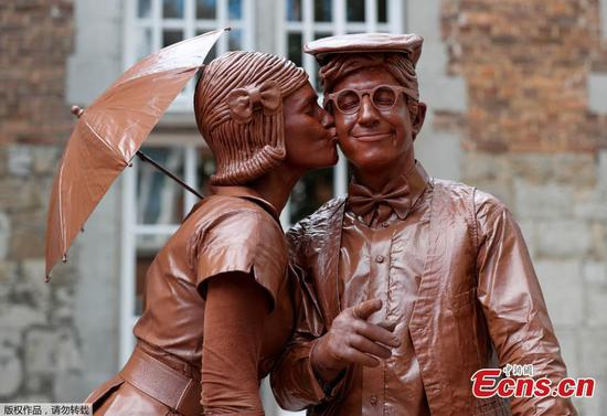 Statues en Marche: a gathering of living statues in Belgium