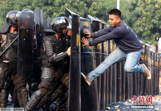 Jakarta holds anti-terror drill for Asian Games