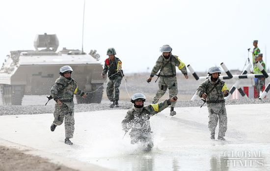 The Chinese team ranked first in the mine clearance race for the International Army Games