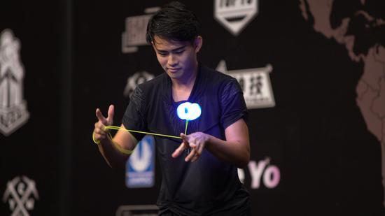 Yoyo Yang from China's Taiwan performs at the AP Division Final. /CGTN Photo