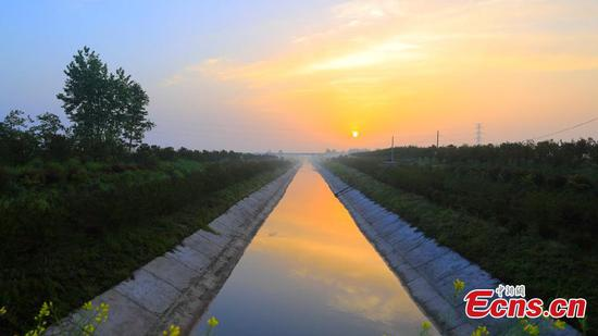 File photo of Baiqi Canal, an ancient irrigation system in Xiangyang City, Central China's Hubei Province. (Provided to China News Service)