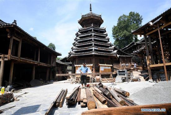 Dong族村落旨在通过旅游业摆脱贫困