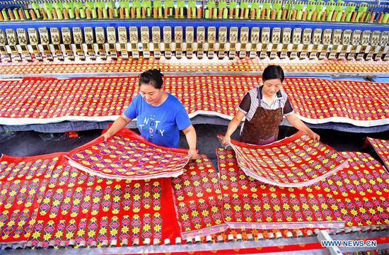 针织和绣花业帮助山东当地人致富