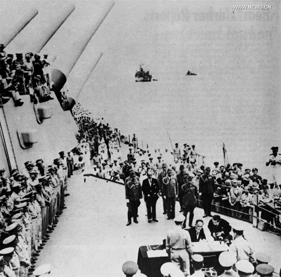 File photo taken on Sept. 2, 1945 shows Japan's surrender ceremony aboard the United States Navy battleship USS Missouri anchored in Tokyo Bay. (Xinhua)