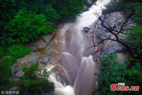 Amazing water landscapes reappear on Mount Tai