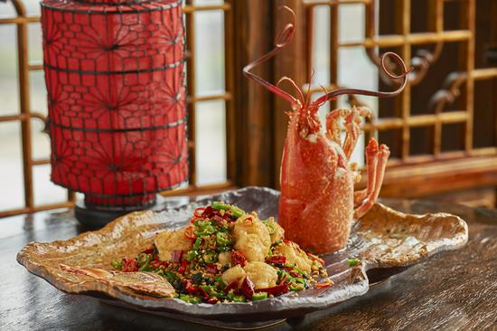 Sichuan-style deep-fried lobster, one of the specialities on offer at Hutong restaurant in London. (Photo/CHINA DAILY)