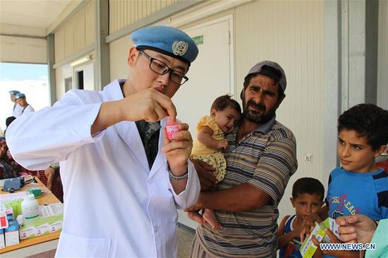 Chinese peacekeepers provide free clinic in Lebanon