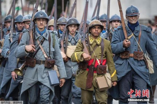Volunteers reenact WWI battle of Verdun