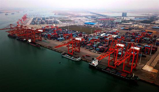 Photo taken on Nov. 9, 2017 shows a wharf at Qinzhou port in south China's Guangxi Zhuang Autonomous Region. (Xinhua/Zhang Ailin)