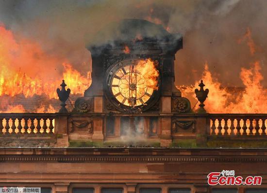 Blaze guts landmark Belfast building