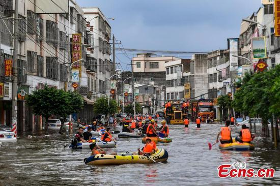 400,000 affected by flood in southern city