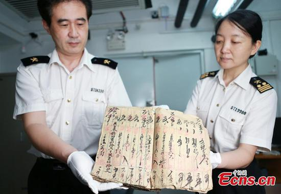 157 cultural relics seized in border check handed over to Guangdong authorities