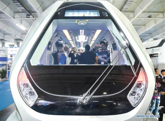 China develops carbon fiber light rail train