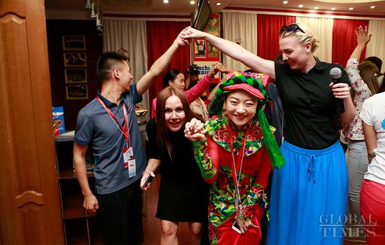 Young survivors of Wenchuan quake revisit Children's Center at Vladivostok in Russia