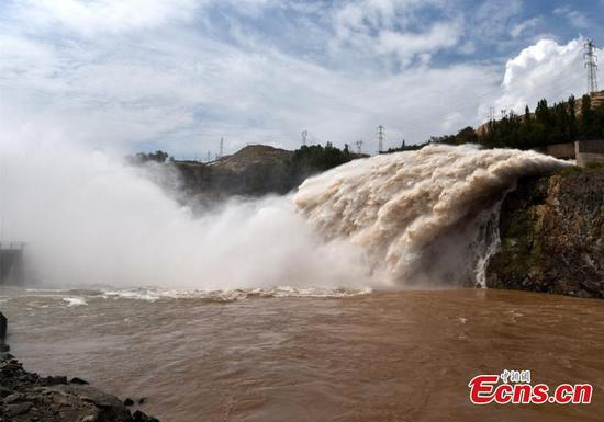 Liujiaxia Reservoir releases more water to respond to flood season