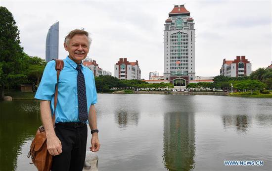 William Brown poses for a photo at Xiamen University in Xiamen, southeast China's Fujian Province, June 14, 2018. (Xinhua/Zhang Guojun)