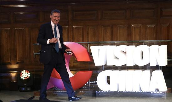 Jim O'Neill, the British economist who put forward the concept of BRIC nations, addresses the Q&A session after his talk at China Daily's Vision China event in London on Thursday. (Photo by Zou Hong/chinadaily.com.cn)