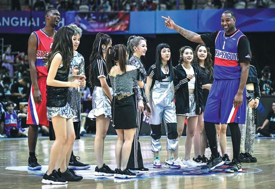 Stars come out to shine in Shanghai