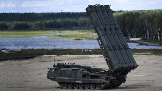 Russia decides to provide S-300 missile system to Syria
