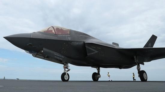 F-35 fighter jet suffers first crash in U.S. state of South Carolina