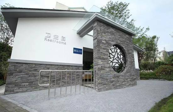 A newly built public toilet in Chengdu, capital of Sichuan province. (Photo provided to China Daily)