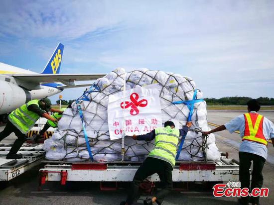 First batch of China's aid for Indonesia's quake-hit victims arrives