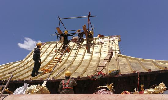 Renovation of Potala Palace roof nearly complete