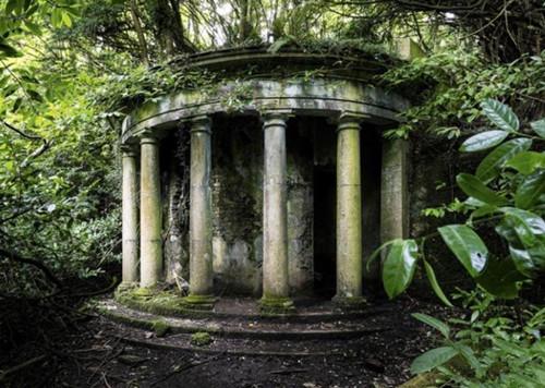 James Kerwin shoots Europe's forgotten buildings