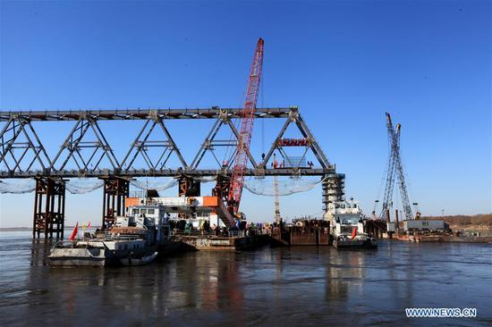 Main body of Chinese part of 1st cross-river railway bridge connecting with Russia completed