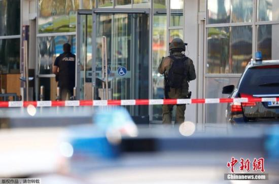 German police free hostage at Cologne train station