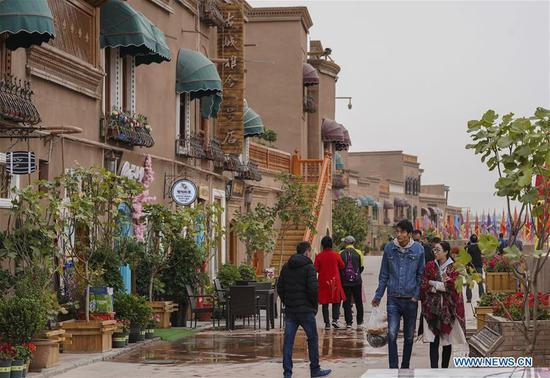 Kashgar: bustling hub of business, different cultures
