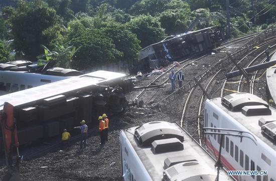Photo taken on Oct. 22, 2018 shows the train derailment site in Yilan County, southeast China's Taiwan.  (Xinhua/Jin Liangkuai)