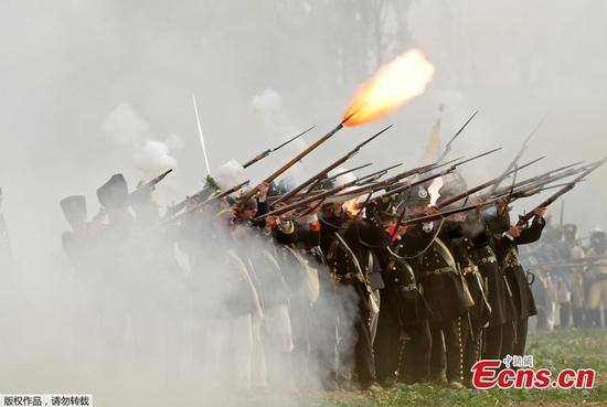 Enthusiasts re-enact 19th-century Battle of Leipzig