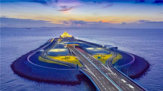 Part of the Hong Kong-Zhuhai-Macao Bridge is built on an artificial island. (Photo provided to China Daily)