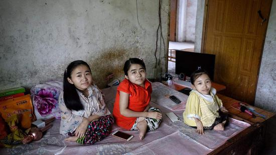 How three Chinese sisters with brittle bone disease defy disability stereotypes