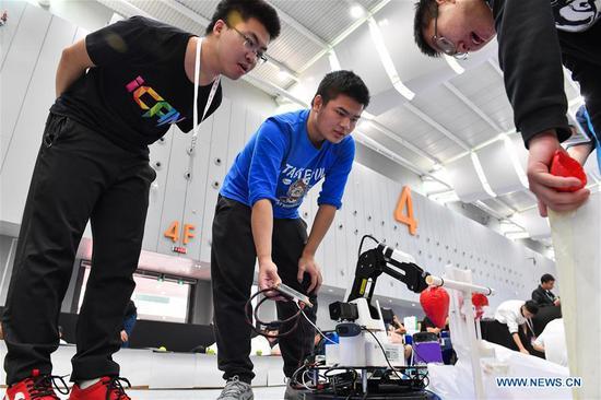 全国机器人与人工智能大赛在佛山举行